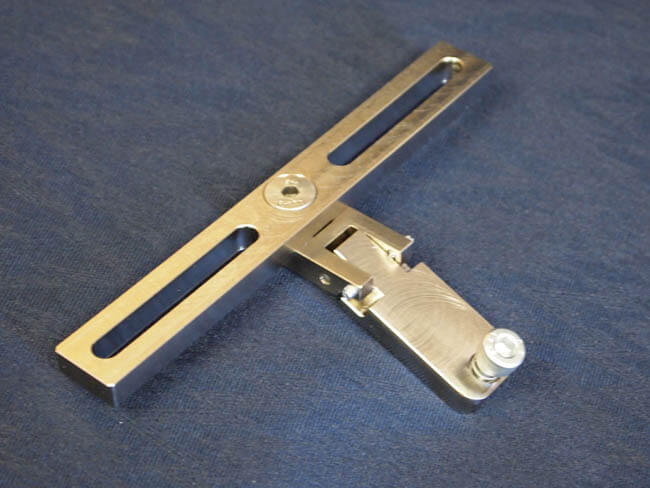 Machined components create multi-directional latch